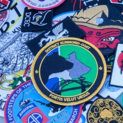 Geborduurde emblemen en badges of patches