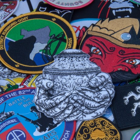 Geborduurde emblemen en badges of patches met veel details